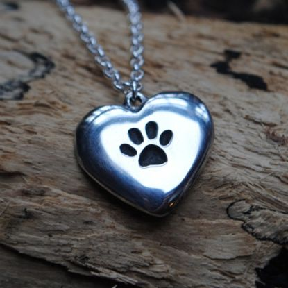 Pawprint heart pendant necklace P55